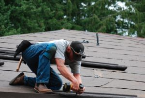 how-to-pick-bend-roofing-companies